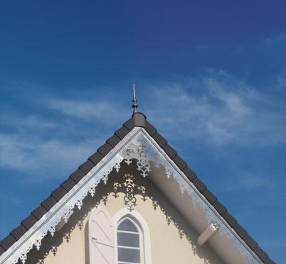 Lambrequins de toit en pente